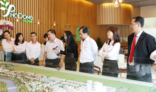SECRETARY OF DISTRICT 2 PARTY COMMITTEE VISITING SOL VILLAS HIGH-END COMPOUND