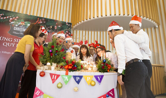 SCC & PLC COMPANIES CELEBRATES THE QUARTER 4th BIRTHDAY PARTY FOR EMPLOYEES IN X'MAS